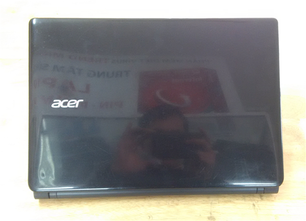 Laptop Acer Aspire E1-432